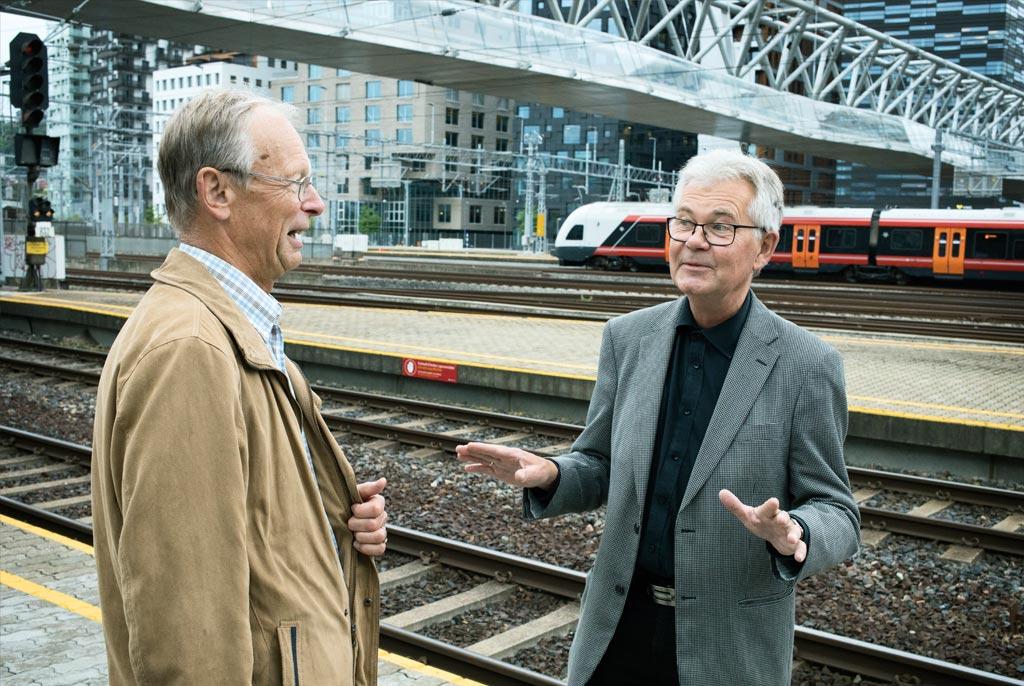 BUDDIES: Det var Finn Holom (t.v.) som fikk Tom Ingulstad på sporet til å bli jernbaneingeniør.